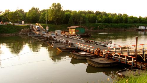 ponte di barche sull'Oglio