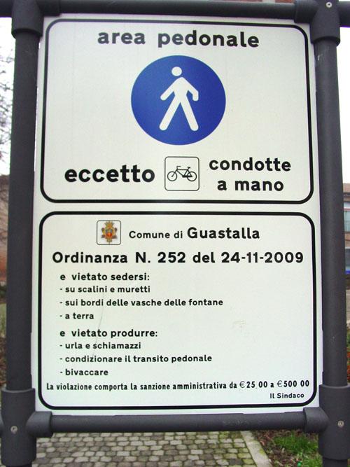 Il Cartello posizionato nei pressi della Piazza 1° Maggio a Guastalla